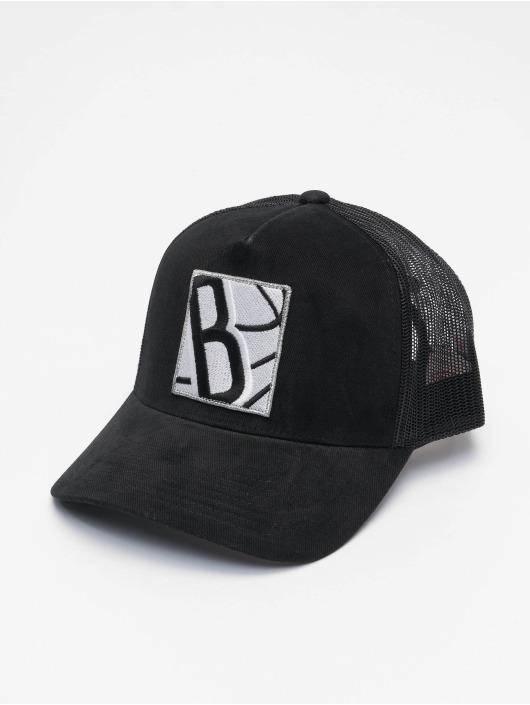 Mitchell & Ness Trucker Cap Icon Pinch Panel Brooklyn Nets schwarz