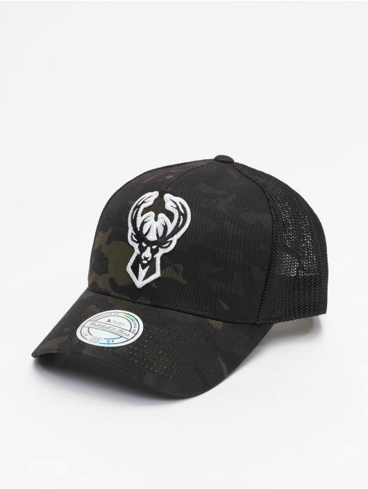 Mitchell & Ness Trucker Caps Multicam M. Bucks svart