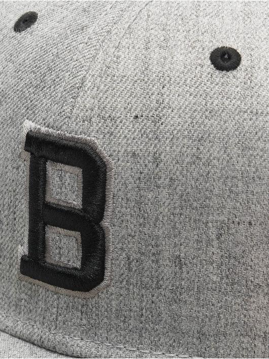 MSTRDS Snapback Cap B Letter grau