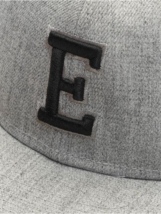 MSTRDS Snapback Cap E Letter grau