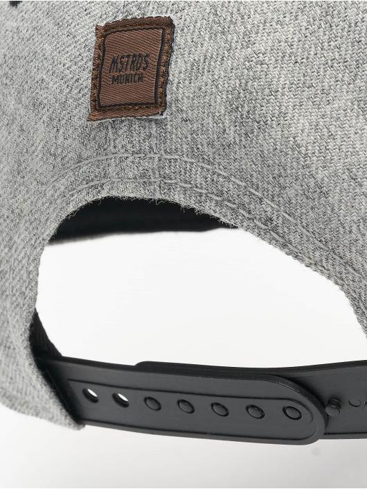 MSTRDS Snapback Cap T Letter grau