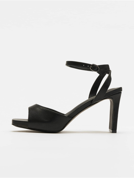 NA-KD Claquettes & Sandales Heeled Strap noir