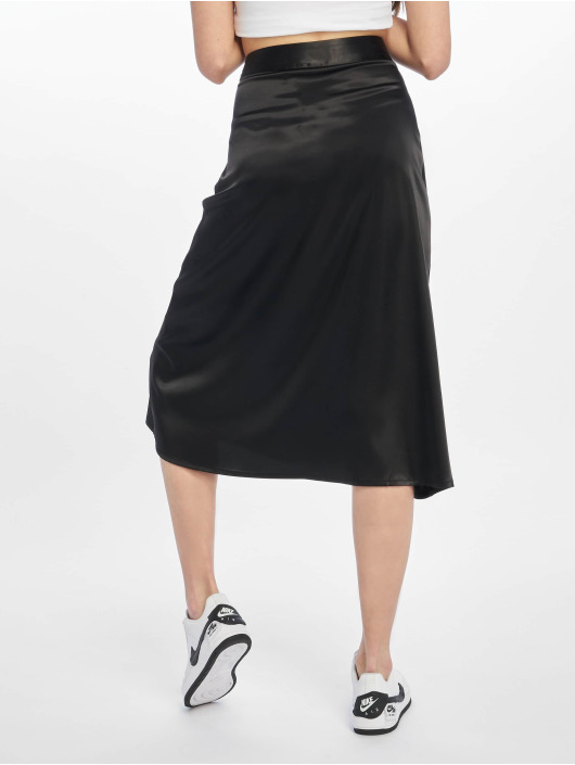 NA-KD Rock Bias Cut Satin Midi schwarz