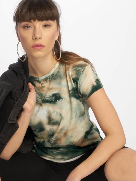 NA-KD T-Shirt Aquarelle Printed Raw Edge grün