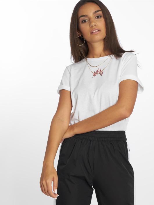 NA-KD T-Shirt Small Logo weiß