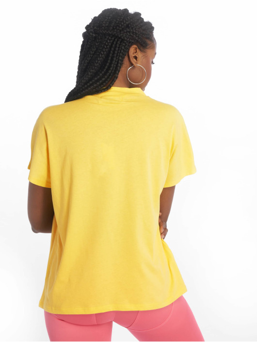 NA-KD T-Shirt High Neck yellow