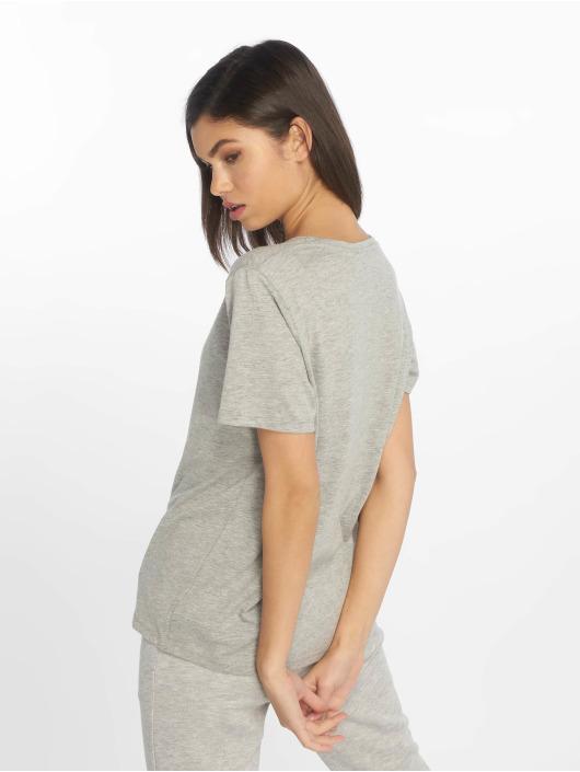 NA-KD T-skjorter Statue grå