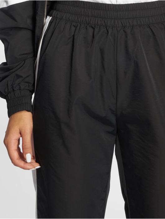 NA-KD Verryttelyhousut Side Stripe musta