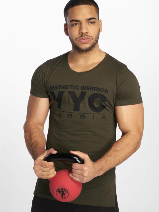 Nebbia T-shirt Aesthetic Warrior oliv