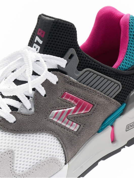 New Balance Sneaker MS997 D grau