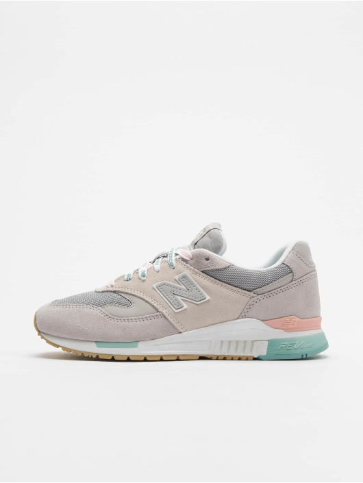 New Balance Sneakers WL840 šedá