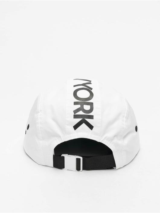 New Era 5 Panel Caps MLB NY Yankees Camper hvit