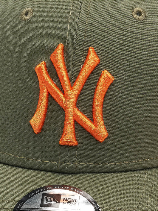 New Era Casquette Flex Fitted MLB New York Yankees League Essential 39Thirty olive