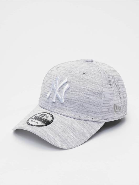 df853de5e3af2 New Era Casquette Snapback & Strapback MLB NY Yankees Engineered Fit 9forty  blanc