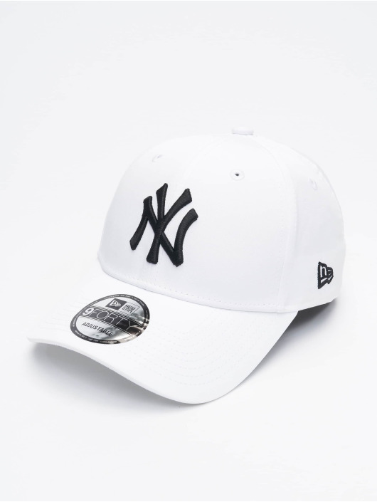 New Era Casquette Snapback & Strapback Tech Fabric Licensed 9Forty blanc