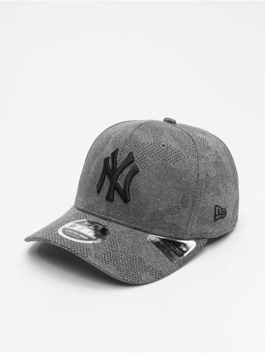 New Era Casquette Snapback & Strapback MLB NY Yankees Engineered Plus 9Fifty gris