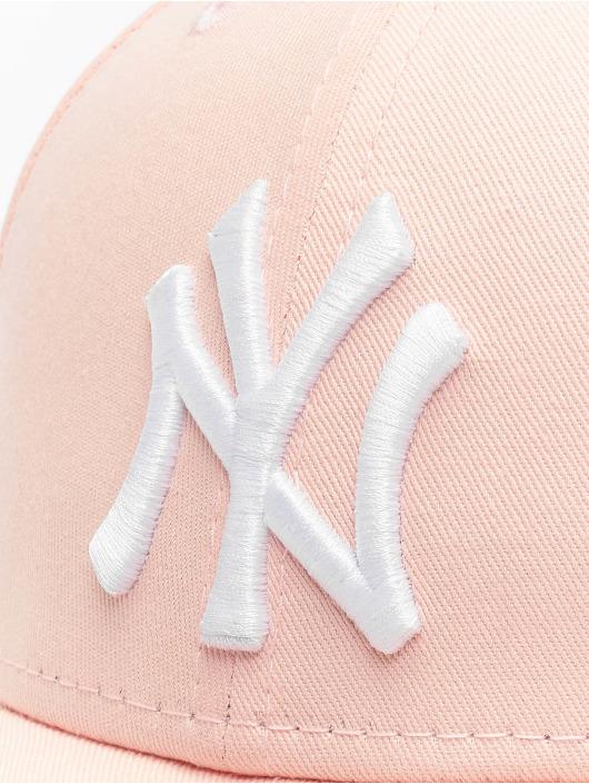 New Era Casquette Snapback & Strapback MLB NY Yankees 9Forty magenta