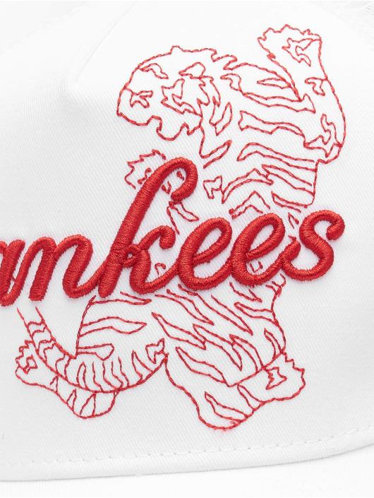New Era Casquette Trucker mesh MLB New York Yankees Tech Fabric Licensed Trucker blanc