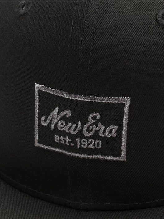 New Era Fitted Cap Essential 59Fifty èierna