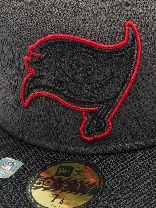 New Era Fitted Cap NFL Tampa Bay Buccaneers Sideline Road 59Fifty červený