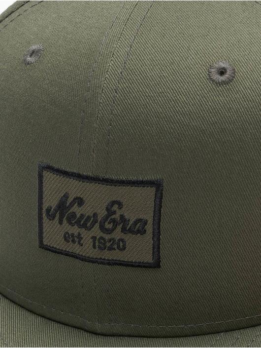 New Era Fitted Cap Essential 59Fifty olivová