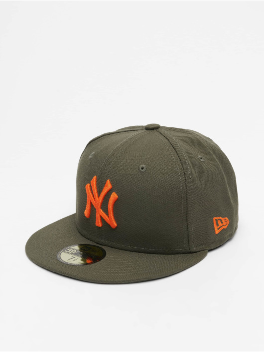 New Era Fitted Cap MLB NY Yankees League Essential 59Fifty olivový