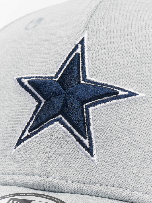 New Era Flexfitted Cap NFL Dallas Cowboys Shadow Tech 39thirty šedá