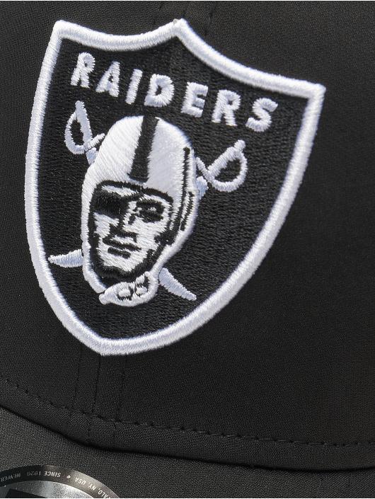 New Era Flexfitted Cap NFL Oakland Raisders Feather Perf 39Thirty czarny