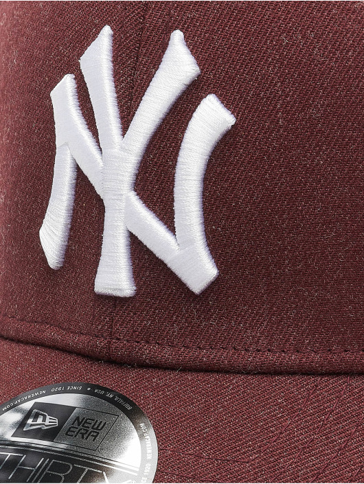 New Era Flexfitted Cap MLB NY Yankees Essential 39Thirty czerwony