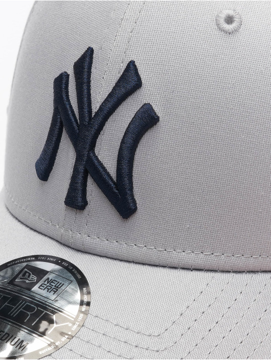 New Era Flexfitted Cap MLB NY Yankees League Essential 39Thirty grå