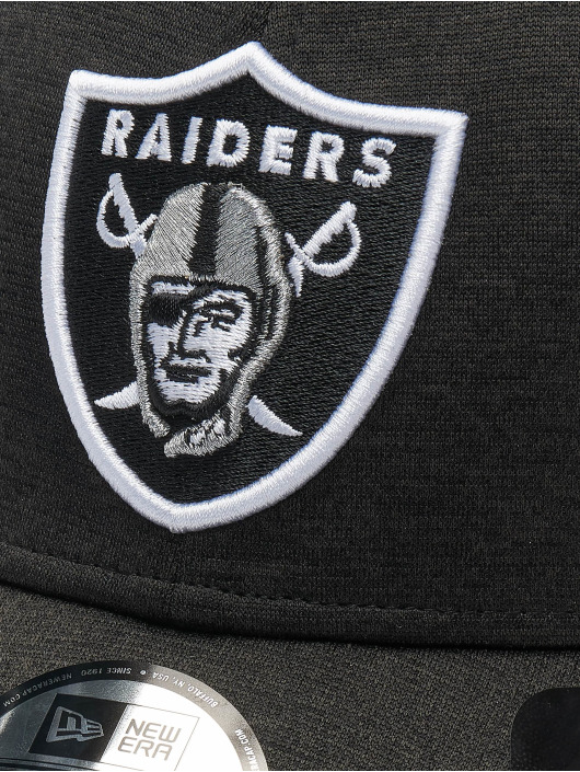 New Era Flexfitted Cap NFL Oakland Raiders Shadow Tech 39thirty grau