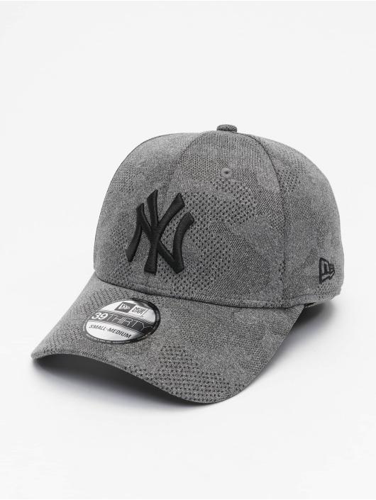 New Era Flexfitted Cap MLB NY Yankees Engineered Plus 39Thirty schwarz