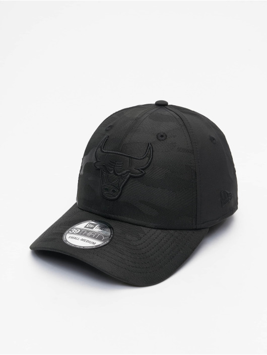 New Era Flexfitted Cap NBA Chicago Bulls Black Camo 39Thirty schwarz