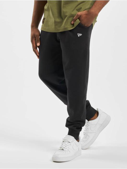New Era Jogging kalhoty Essential čern