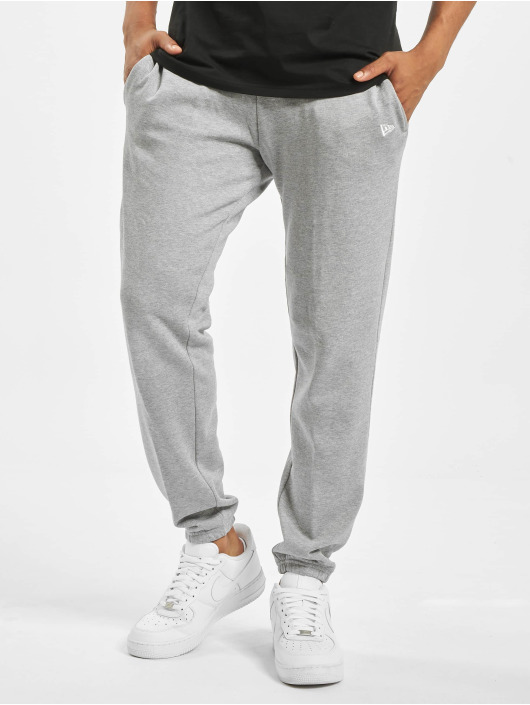 New Era Jogging kalhoty Essential šedá