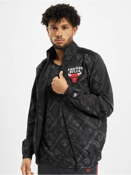 New Era Kurtki przejściowe NBA Chicgo Bulls Aop czarny