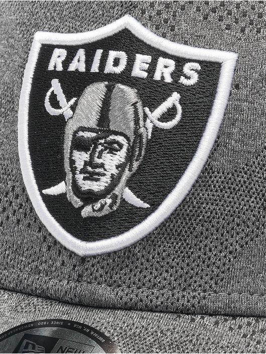 New Era Lastebilsjåfør- / flexfitted caps NFL Oakland Raiders Engineered Plus 39Thirty grå