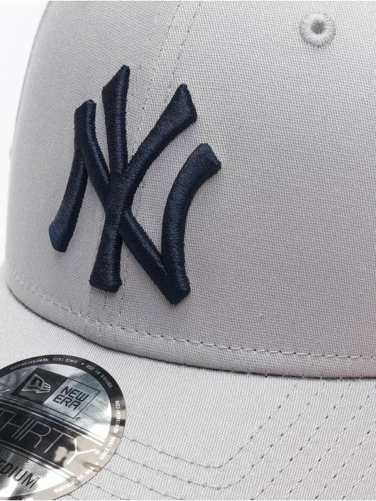 New Era Lastebilsjåfør- / flexfitted caps MLB NY Yankees League Essential 39Thirty grå