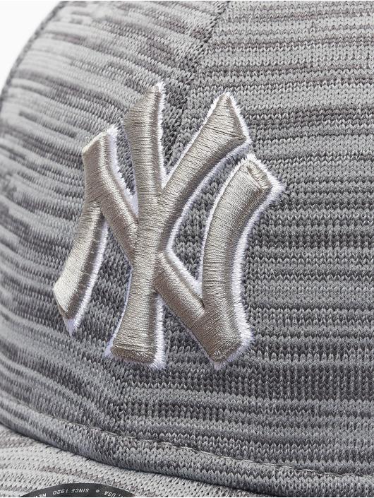 New Era Snapback MLB NY Yankees Engineered Fit 9Forty šedá