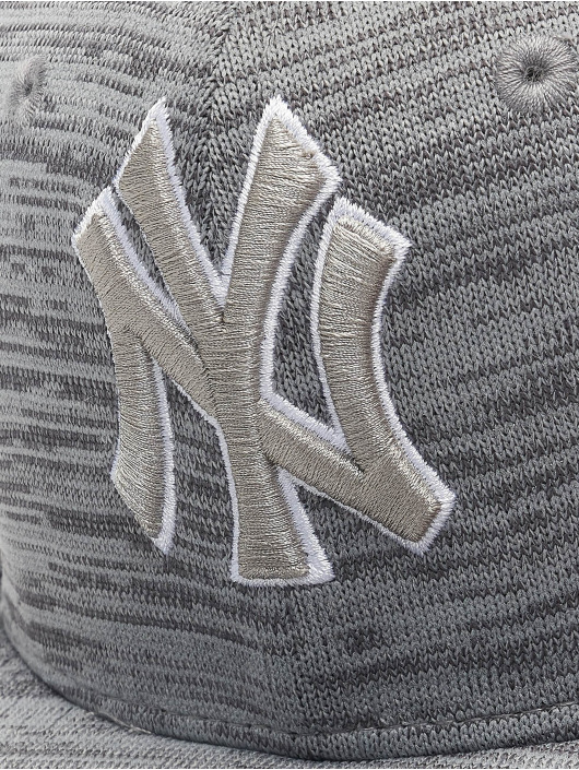 New Era Snapback MLB NY Yankees Engineered Fit 9Fifty šedá