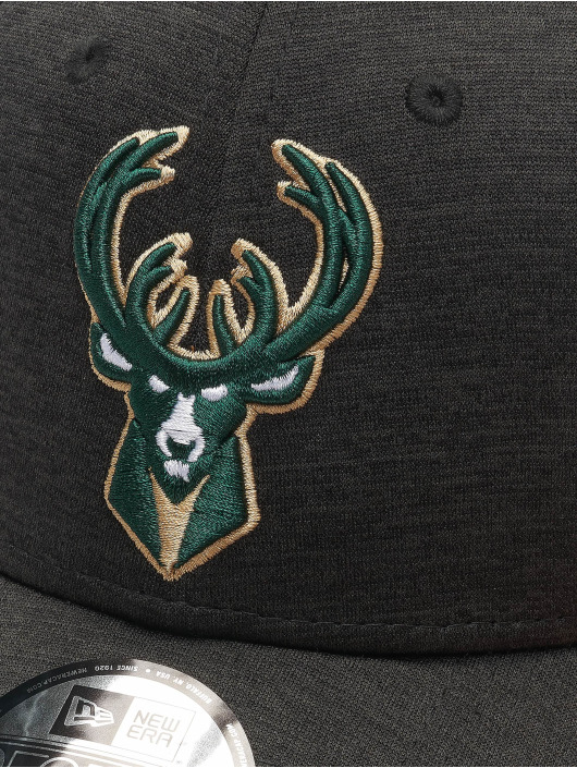 New Era Snapback Cap NBA Milwaukee Bucks Shadow Tech black