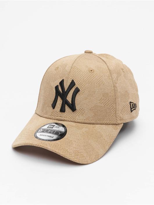 New Era Snapback Cap MLB NY Yankees Engineered Plus 9Forty braun