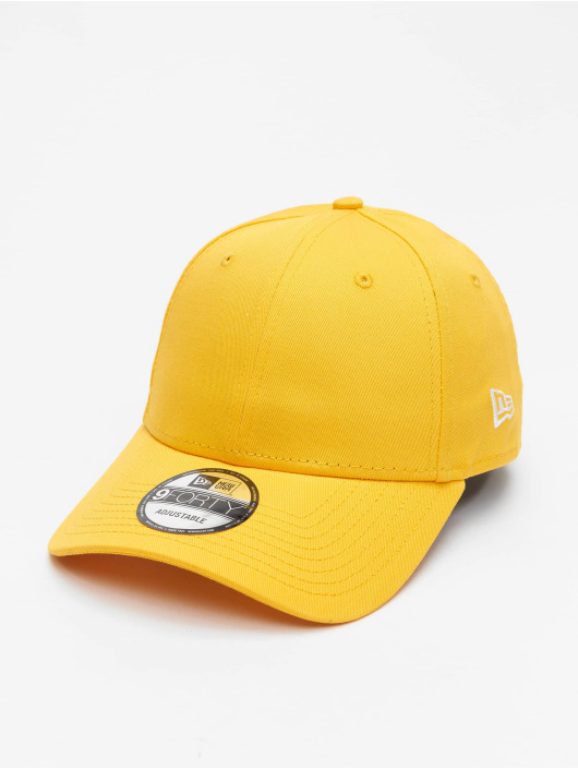 New Era Snapback Cap Essential 9Forty gold colored