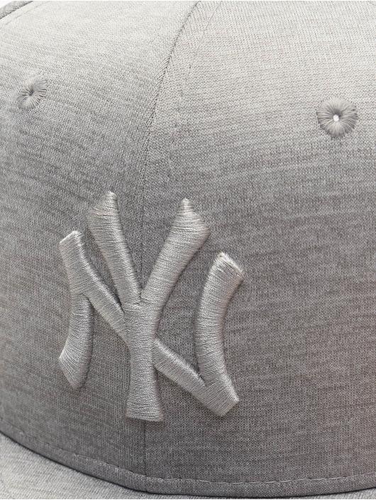 New Era Snapback Cap MLB NY Yankees Shadow Tech 9Fifty grau