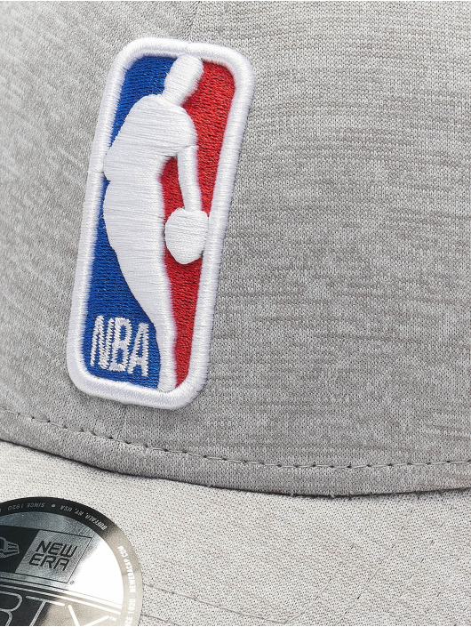 New Era Snapback Cap Shadow Tech 9Forty NBA G League Logo grau