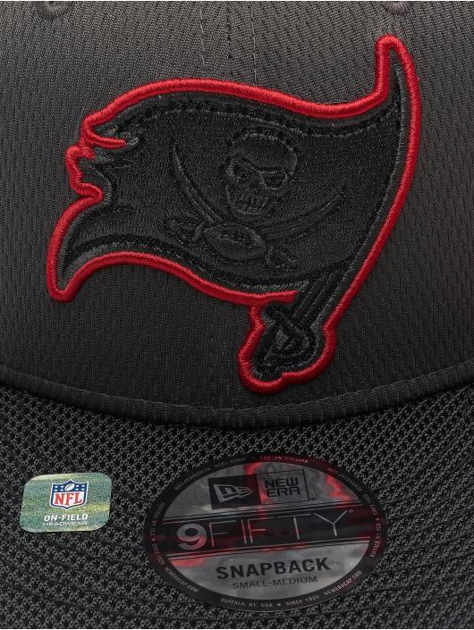 New Era Snapback Cap NFL Tampa Bay Buccaneers Sideline Road 9Fifty grau