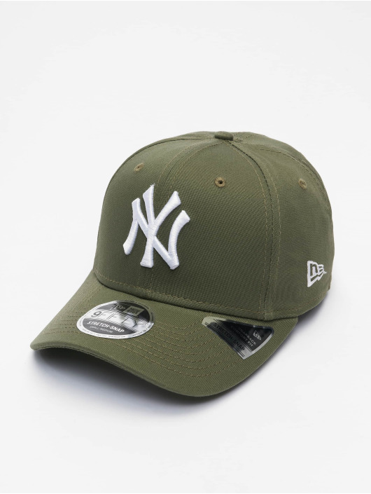 New Era snapback cap MLB New York Yankees League Essential 9Fifty olijfgroen
