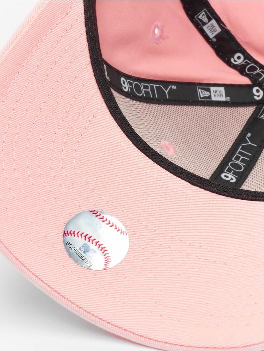 New Era Snapback Cap MLB Los Angeles Dodgers League Essential 9forty pink