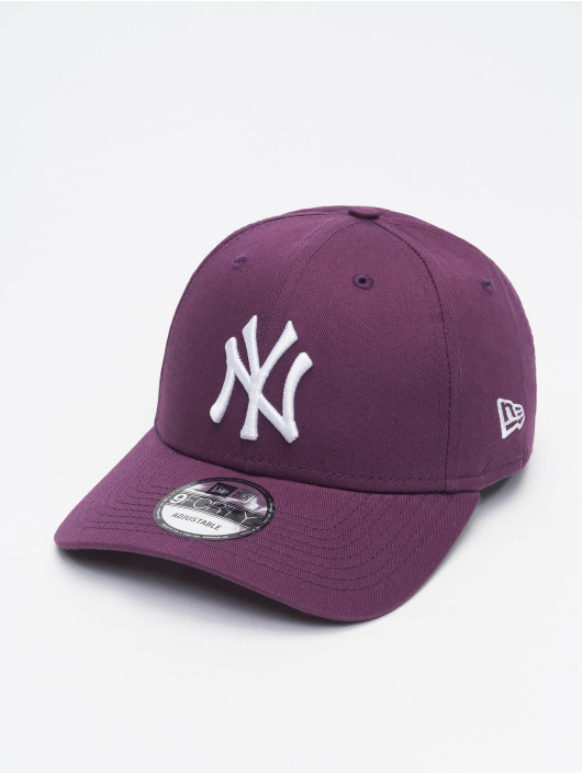 New Era Snapback Cap Colour Ess New York Yankees 9Forty violet