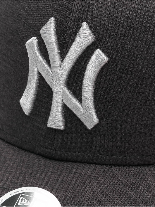 New Era snapback cap MLB NY Yankees Shadow Tech 9Forty zwart